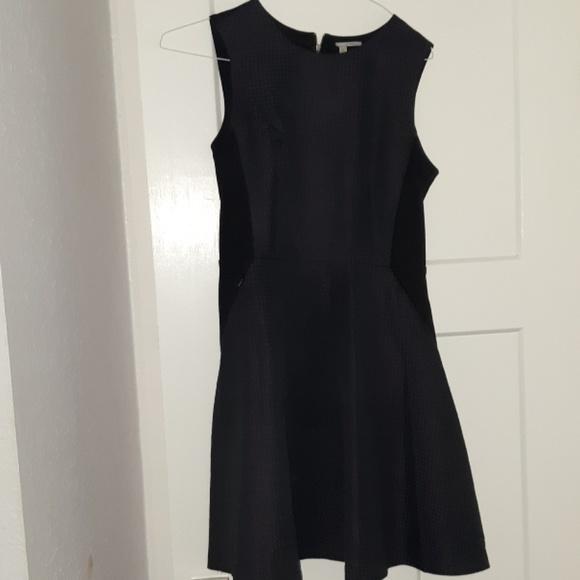 Halogen Dresses & Skirts - Flattering dress